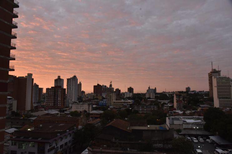 Vista del cielo sobre Asunción en una foto ilustrativa.