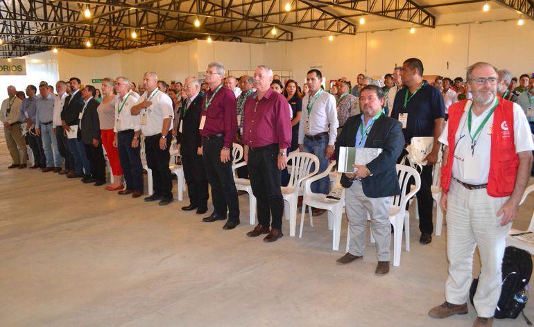 Participantes del segundo encuentro de la iniciativa Chaco Integrado,   realizado en el predio ferial de Pioneros del Chaco.