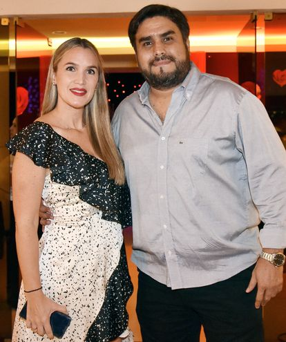 Verónica Delfino y Santos López.