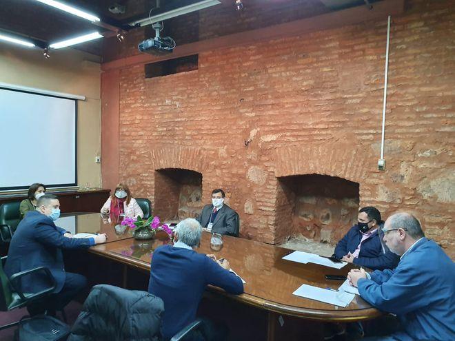 Directivos del gremio Asimcopar y otras asociaciones se reunieron hoy en el Congreso Nacional con los diputados Derlis Maidana y Justo Zacarias.