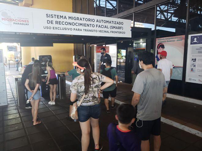 Según Ángeles Arriola, titular de Migraciones, ya tienen ingresaron 4.000 brasileños desde fines de diciembre.