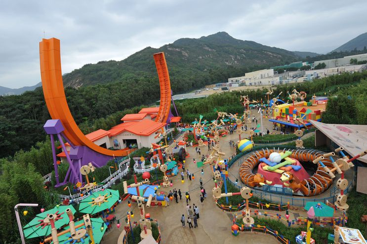 Disneyland en Hong Kong anunció el cierre de sus instalaciones por la crisis del coronavirus.
