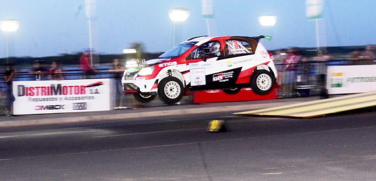 Fabrizio Galanti y Dustin Toyotoshi fueron segundos en la general y ganadores de la RC2, con Toyota Etios R5.