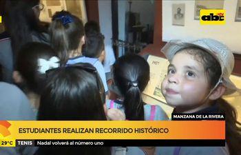 Estudiantes realizan recorrido histórico en Asunción