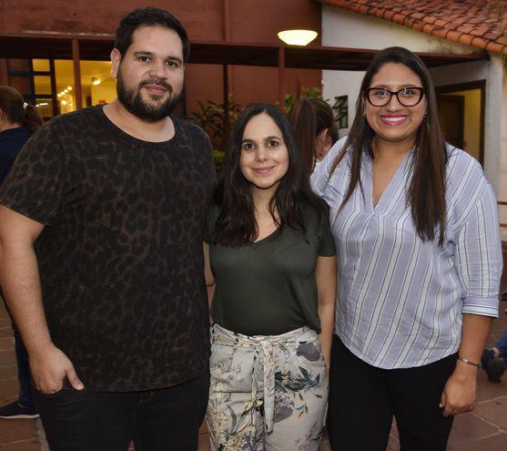 Martín Oddone, Andrea Martínez y Gaby López.