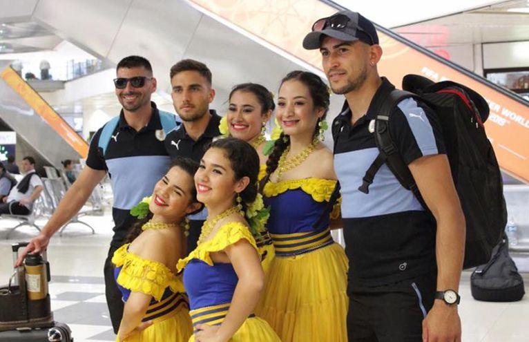 En la víspera, la representación de Uruguay llegó al país, y junto con la de México son los primeros equipos americanos en arribar. Se van sumando las delegaciones extranjeras.