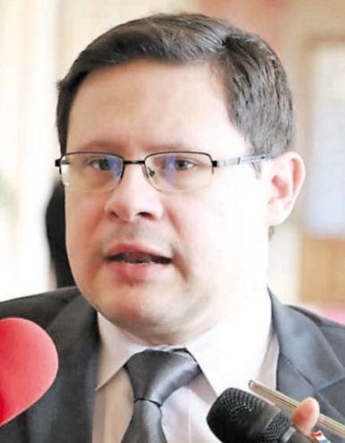 El viceministro de la SET, Óscar Orué, indicó que tienen el respaldo del Presidente de la República para proceder.