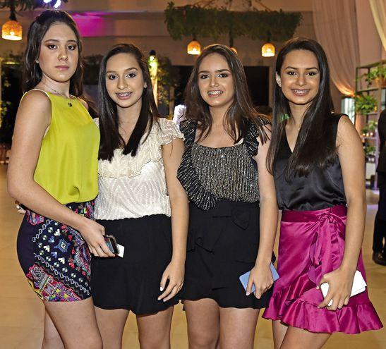 Joaquina Quevedo, Mariángeles Cardozo, Julieta Vázquez y Gabriela Arrúa.