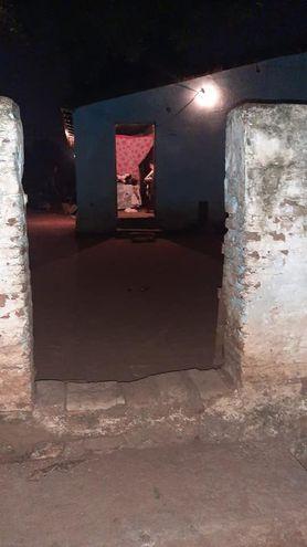 La vivienda de donde fueron rescatadas tres niñas que estaban a cargo de su padre y presentaban complicaciones médicas por abandono e insalubridad.