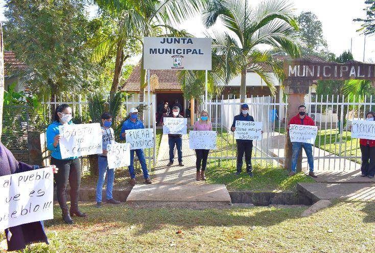 Ciudadanos denunciaron hechos de corrupción y piden la intervención de la Municipalidad de Independencia.