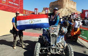 """Excelente gestión de Nelson Sanabria en el Rally Dakar, logrando su séptima medalla en siete participaciones, siendo el paraguayo con más presencia y con un 100% de efectividad. El """"León Guaraní"""" culminó la competencia en la octava posición de la general en la categoría Quads."""
