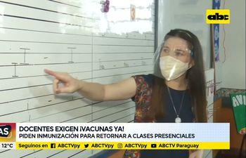 Docentes exigen vacunas ya
