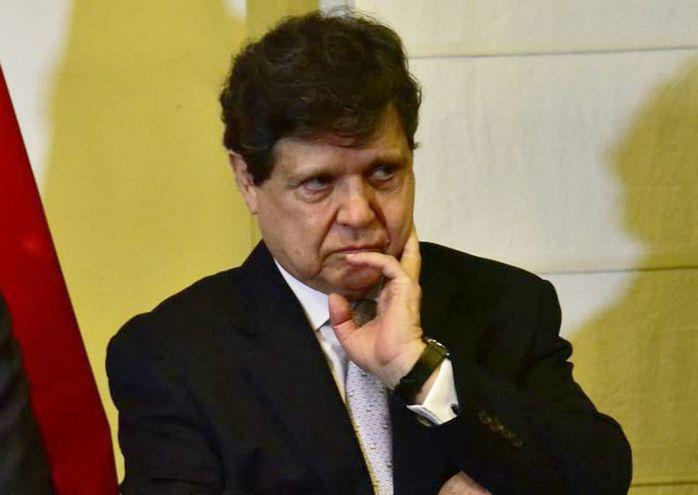 Euclides Acevedo, ministro del Interior.