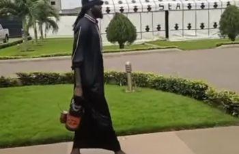 Emmanuel Adebayor, tereré.