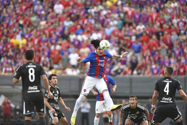 El último gol que Beltrán le marcó a Olimpia, vistiendo la camiseta de Cerro Porteño, fue en el Apertura 2017.