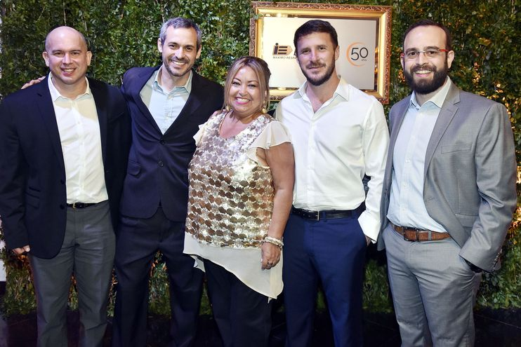 Luis Machuca, Eduardo Quiroga, Regina Orué, Mauricio Castillo y Esteban Marques.
