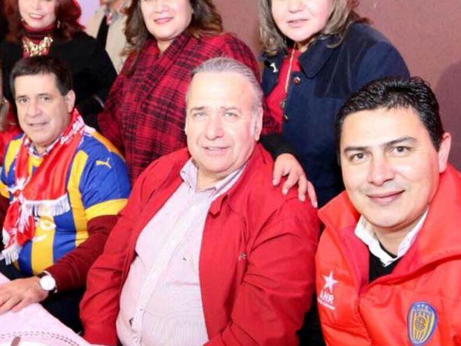 De izq. a der.: Horacio Cartes, el acusado Óscar González Daher y el intendente de Luque Carlos Echeverría, quien es cuestionado.