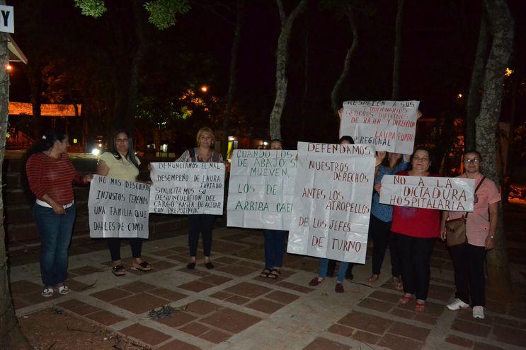 Grupo de funcionarias del Hospital Regional de San Juan, Misiones.