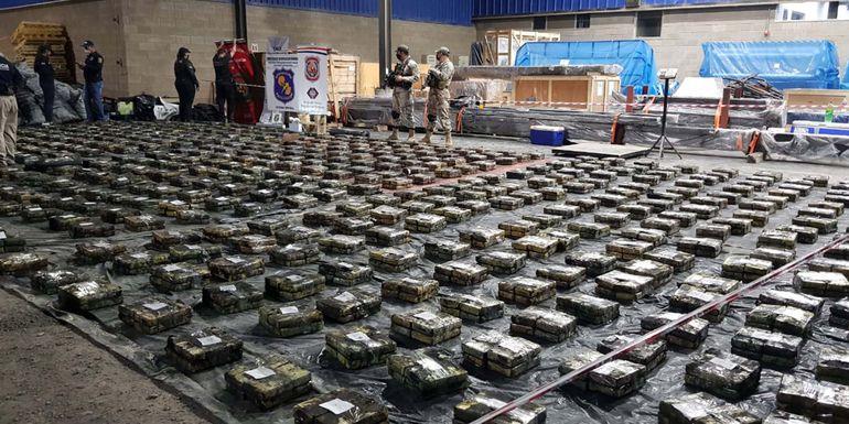 A falta de la revisión completa en el puerto Terport de Villeta, la carga de cocaína encontrada llega a 2.331 kilos, aunque podría llegar a tres toneladas.