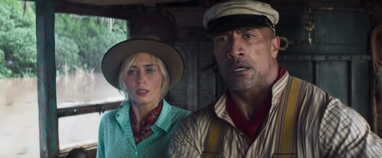 "Emily Blunt y Dwayne Johnson en ""Jungle Cruise""."