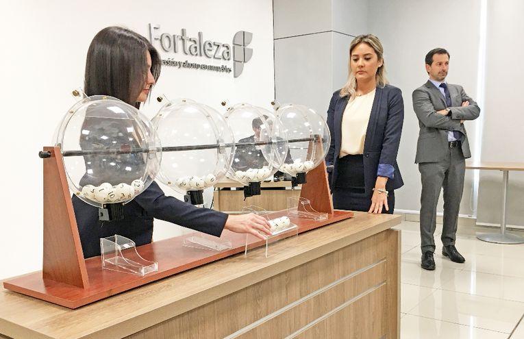 Fortaleza S.A. de Inmuebles ya tiene a seis nuevos inversores que fueron beneficiados, con un departamento cada uno.