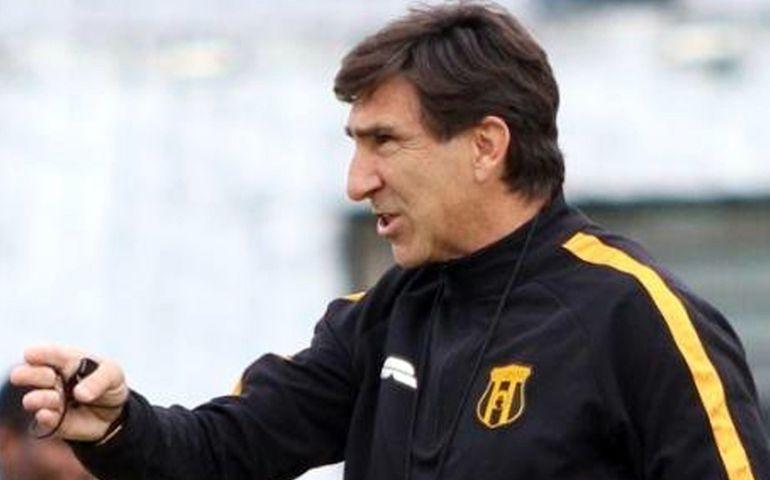 Gustavo Costas, técnico del Aborigen, que recibirá a Luqueño.