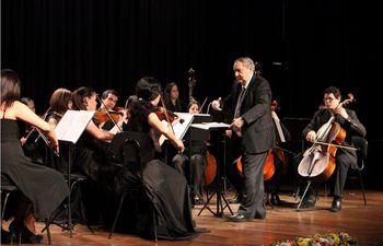 el-maestro-miguel-ngel-gilardi-dirigira-a-la-orquesta-de-camara-juvenil-del-ccpa-en-el-concierto-reencuentros--171625000000-1842719.JPG