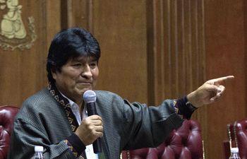 El expresidente de Bolivia Evo Morales, cuando participaba en una rueda de prensa en Ciudad de México, el 27 de noviembre. Dejó de hospedarse en un campo militar y  se mudó a un domicilio en la capital mexicana.