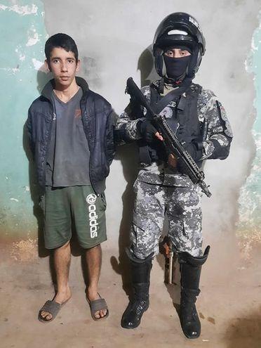 Getulio Javier Franco Gaona, presunto distribuidor de drogas, detenido por agentes del Grupo Lince en Mariano Roque Alonso.