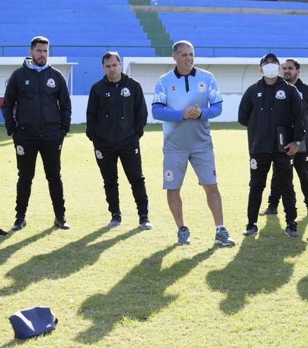 La presentación de Pablo Caballero como nuevo entrenador de Resistencia
