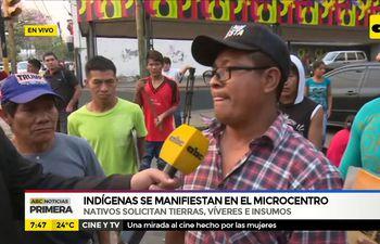 Indígenas se manifiestan en el microcentro