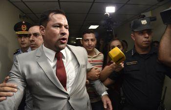 El diputado colorado abdista Ulises Quintana  el día en que el juez Humberto Otazú ordenó en enero pasado  que continuara en prisión. Luego consiguió una resolución irregular para dejar la cárcel.