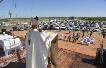 Una automisa se celebró en el predio de la Costanera de Asunción en el marco de la festividad de la Virgen de Caacupé.