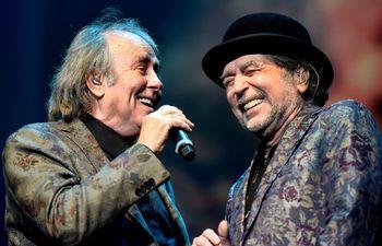 """Joaquín Sabina y Joan Manuel Serrat se presentaron este domingo, en el segundo de sus conciertos en el marco de la gira """"No hay dos sin tres"""", en Buenos Aires (Argentina)."""