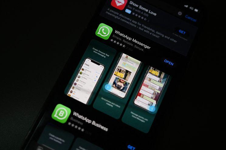 La aplicación de WhatsApp en un teléfono móvil.