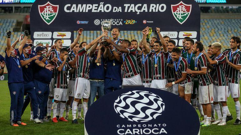 """Festejo de los integrantes del """"Flu""""  tras la conquista de la Taça Río en el vacío estadio Maracaná."""