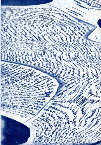 Un cianotipo,  obra de Léonce Lupette, parte de una serie de poemas visuales multilingües actualmente en proceso de producción. Cortesía del autor.
