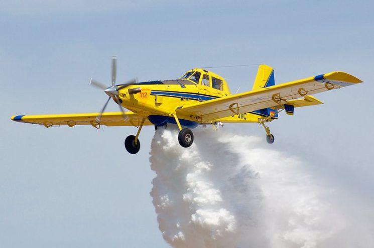 El avión AT-802 tiene una capacidad de 3.000 litros, dispone de unas 5 o 6 horas de autonomía y puede cargar en agua y en tierra. (Imagen de archivo Kansas Agriculture Aviation)