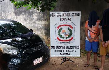 El policía y su acompañante fueron detenidos por agentes de la sección Automotores en el departamento de San Pedro.