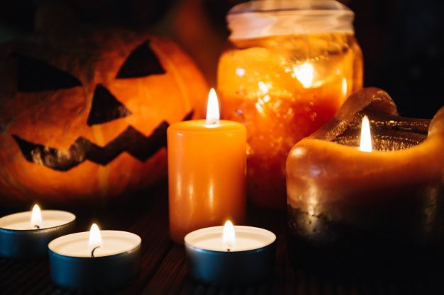 A raíz de esta añeja tradición y, hoy en día, consumista, salen a flote los diversos juegos de terror que vienen de la mano con cada Halloween