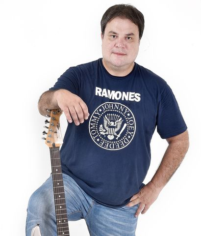 """Federico Arias se suma a la grilla de ABC FM con """"El quincho del rock"""", que se emitirá todos los sábados de 14:00 a 17:00 por la 98.5."""