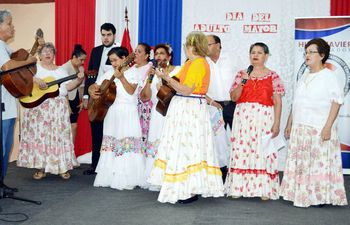 danzaron-las-naranjeras-miembros-del-taller-saludable-motivacional-y-recreativo--195731000000-1827517.jpg