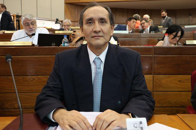 Senador Eusebio Ayala.