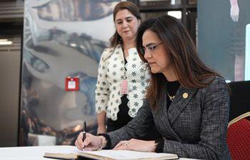 Mónica Pérez, administradora financiera de Itaipú Binacional fue destituida de su cargo.
