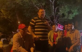 El diputado Tomás Rivas participó activamente del festejo colorado el 10 de octubre último, pero, según sus médicos, padece de cáncer de colon. (Captura de video).