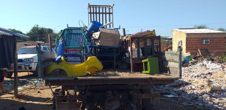 Los damnificados van abandonando los refugios en Asunción.