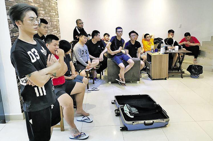 Los 15 chinos taiwaneses detectados en una residencia del Área 3 de Ciudad del Este fueron imputados por violación de la ley de emergencia sanitaria y quedaron en cuarentena.