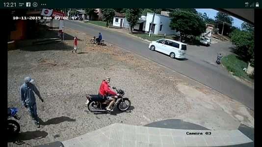 Víctimas logran recuperar motocicleta hurtada en Piribebuy - Nacionales - ABC Color