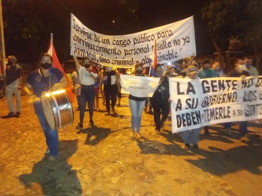 Los pobladores marcharon por la ruta PY01, Mariscal Francisco Solano López y dijeron que retornarán la próxima semana