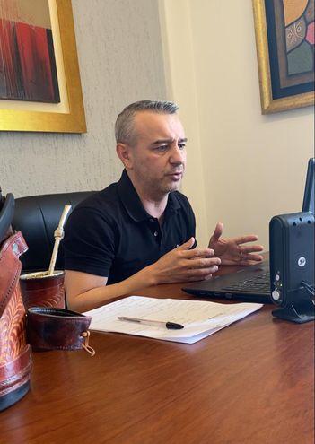 Dani Centurión, presentó su renuncia al cargo de concejal de Asunción.